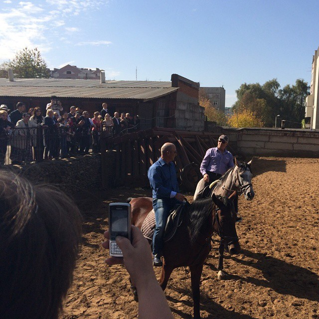 Гойко Митич оседлал осетинского коня  #graduspro #севернаяосетия #Осетия