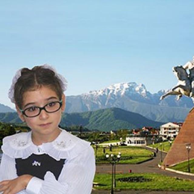 Юная Орнелла Дзебисова дала нам интервью. Читайте на сайте.  #осетия #graduspro
