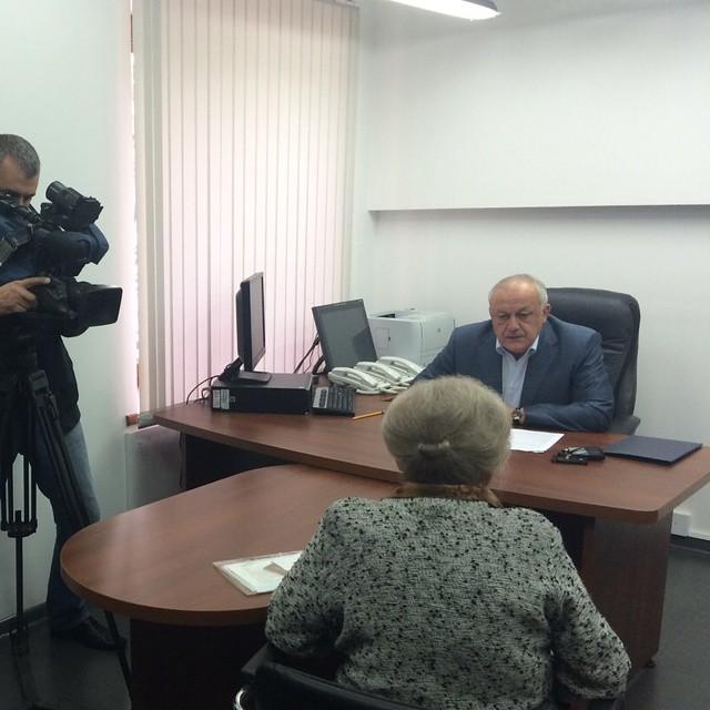 Таймураз Мамсуров проводит прием граждан.  Основные вопросы - оказание материальной помощи  #graduspro #севернаяосетия #мамсуров
